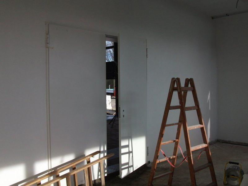 Die Räume wirken schon heller und freundlicher seit dem Beginn der Malerarbeiten | Bild: Meyer